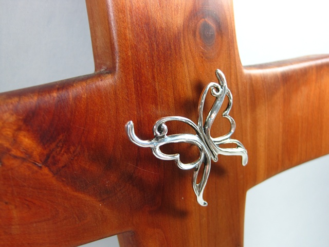 STERLING SPIRIT WIND BENEATH MY WINGS BUTTERFLY ON CEDAR CROSS  CLOSE UP VIEW
