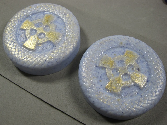 CELTIC CROSS ROUND PAIR
