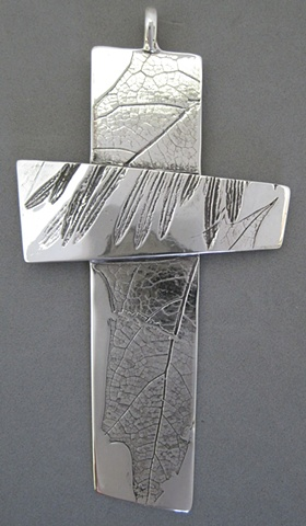 STERLING SILVER IMPRESSION CROSS