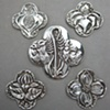 5 QUATREFOIL DESIGNS  ©Nancy Denmark
