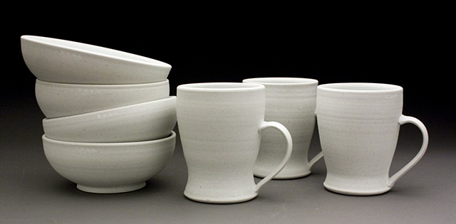 White cups and bowls