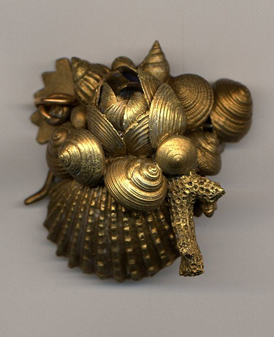 Rich Gold Shell Brooch
