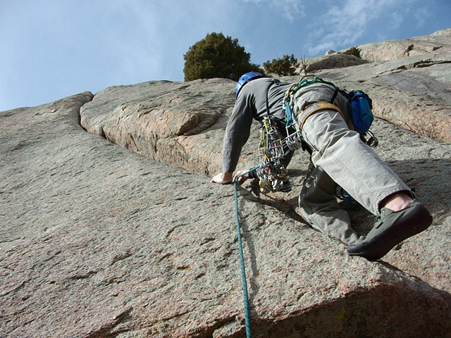 a beautiful 100 foot crack at Greyrock