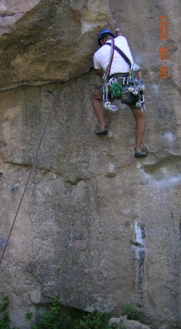 unknown crack climb at castlewood canyon state park
