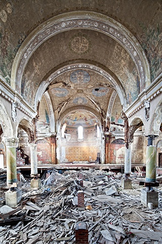 urban decay photography urbex beautiful deconstruction church cleveland