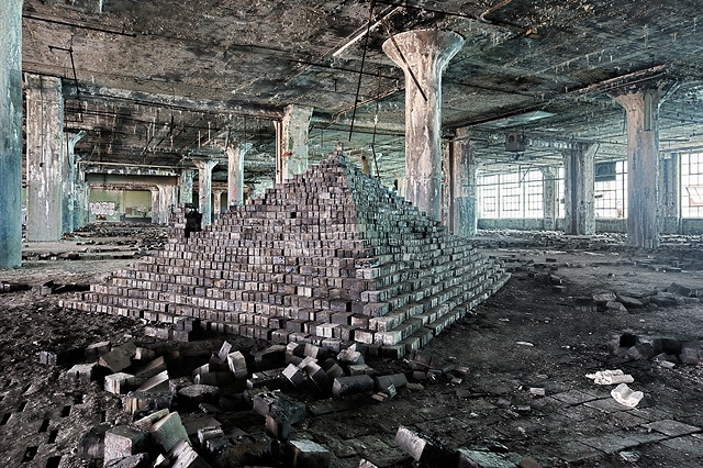 urban decay photography urbex beautiful deconstruction auto industry detroit