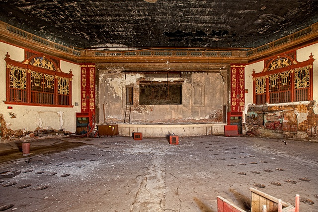 urban decay photography urbex beautiful ramova theater chicago tribune