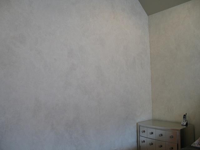 Aged plaster finish