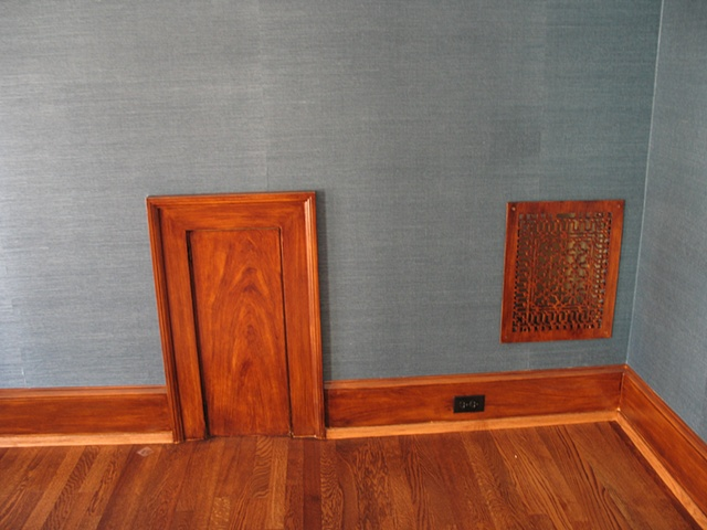 Faux mahogany finish