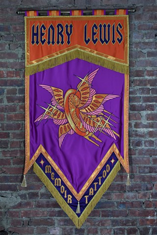Banner with detachable bottom with shop name