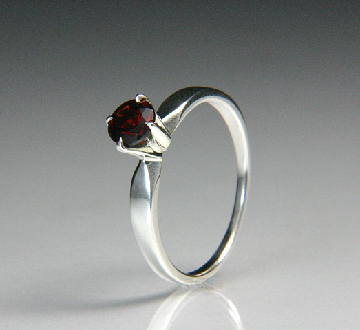 Heather Ring with Pyrope Garnet