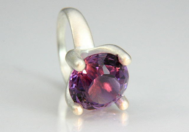 Annie Ring with Amethyst