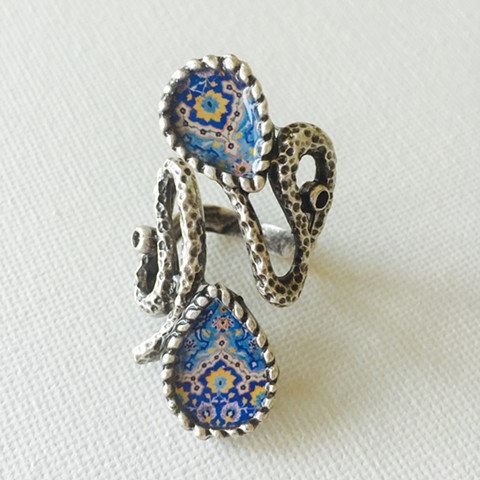 twin ring, double ring, mosaic, persian ring, begild, hammered metal ring, cocktail ring, statement ring, blue and silver