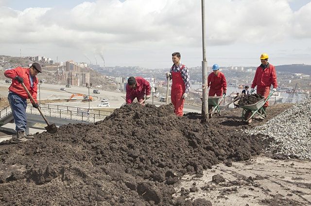 Construction Workers, Vladivostok