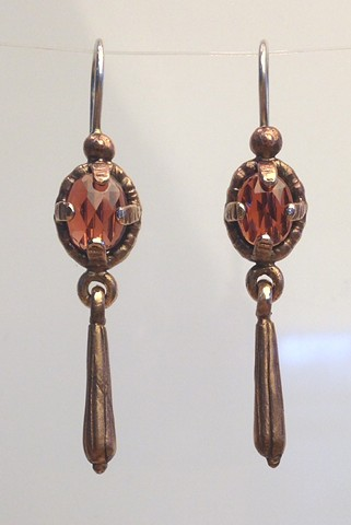 Garnet Trembling Earrings