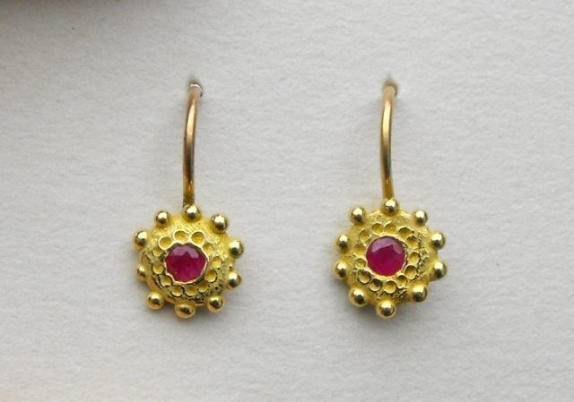 Dotted Earrings with Rubies