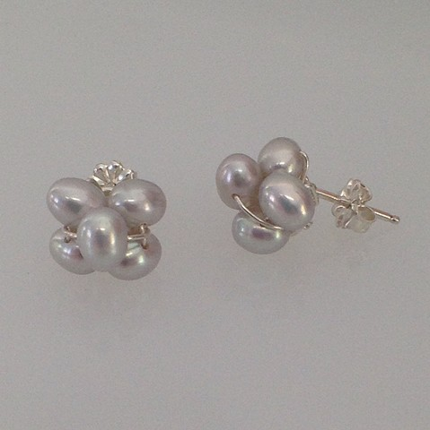 Light Grey Pearl Cluster Post Earrings