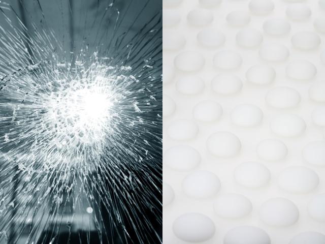 Shattered glass / White stones