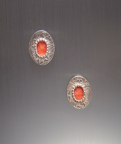 Red Oval Pattern Stud Earrings