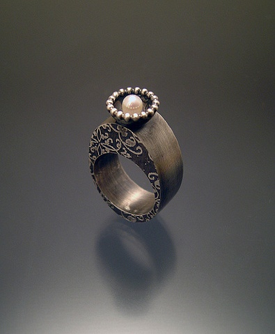 Oval Royalty Ring with Pearl