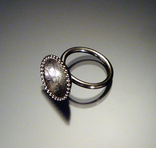 Etched Circle Ring oxidized (medium)