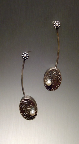 Patterned Oval Dangle with Pearl