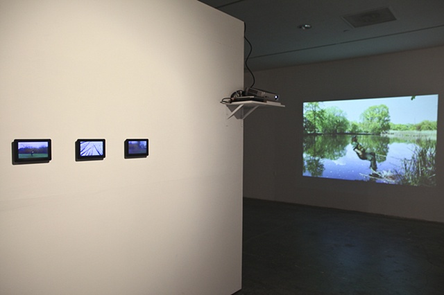 Afar lies the world (installation view)