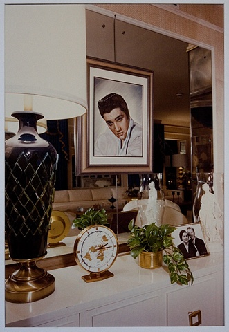 UNTITLED (PORTRAIT OF ELVIS AT GRACELAND)