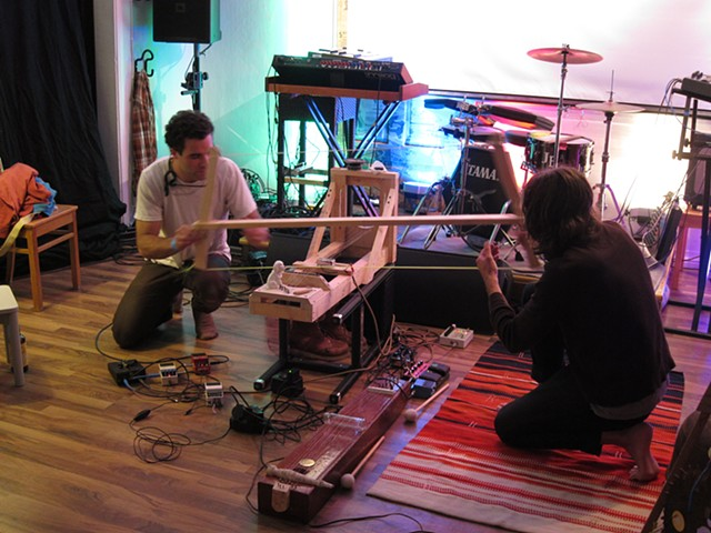Mega-Bow (from live Middle Kingdom performance at Kahvila Soppi, 2013)