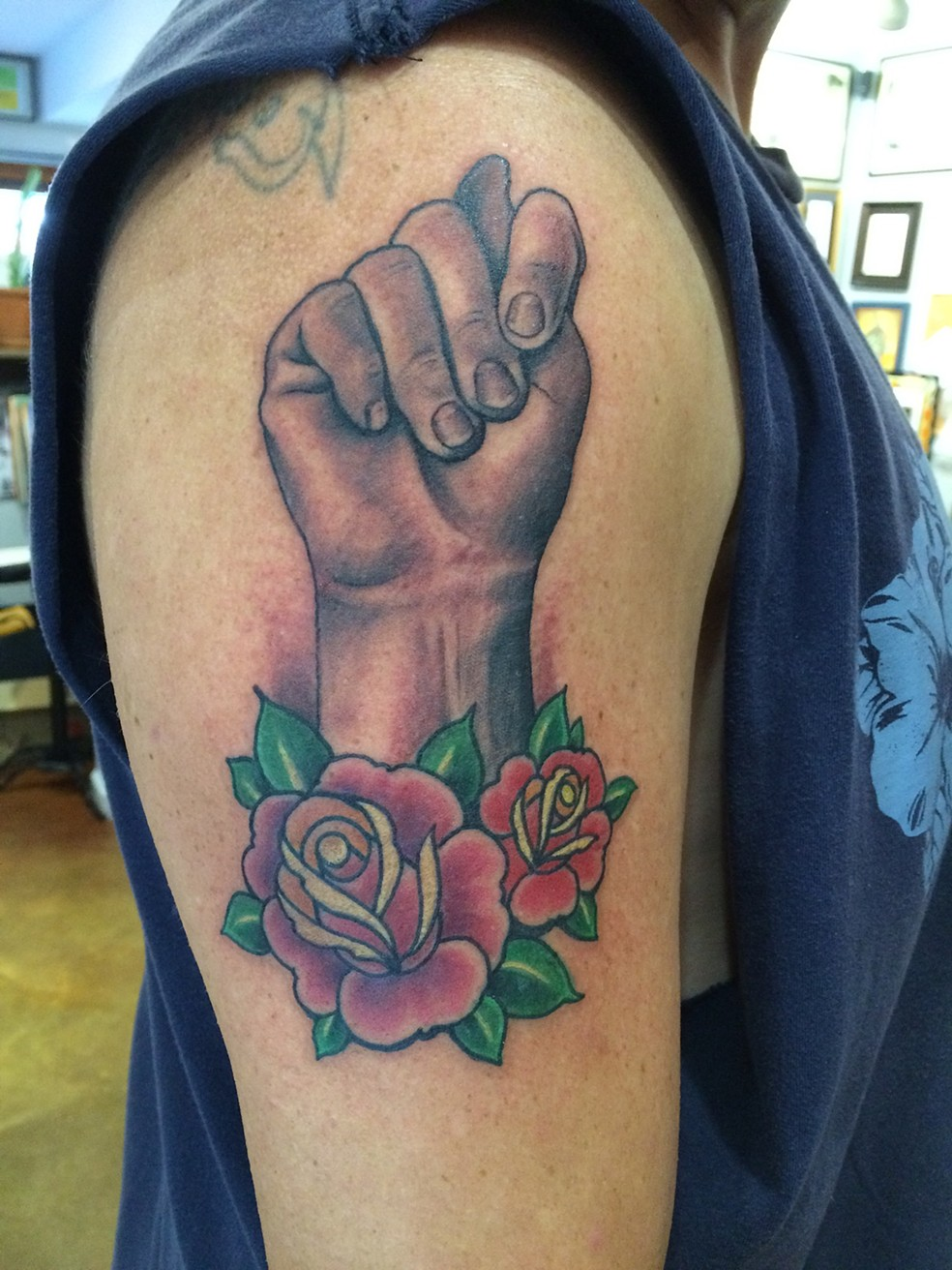Grande figa tatuaggio