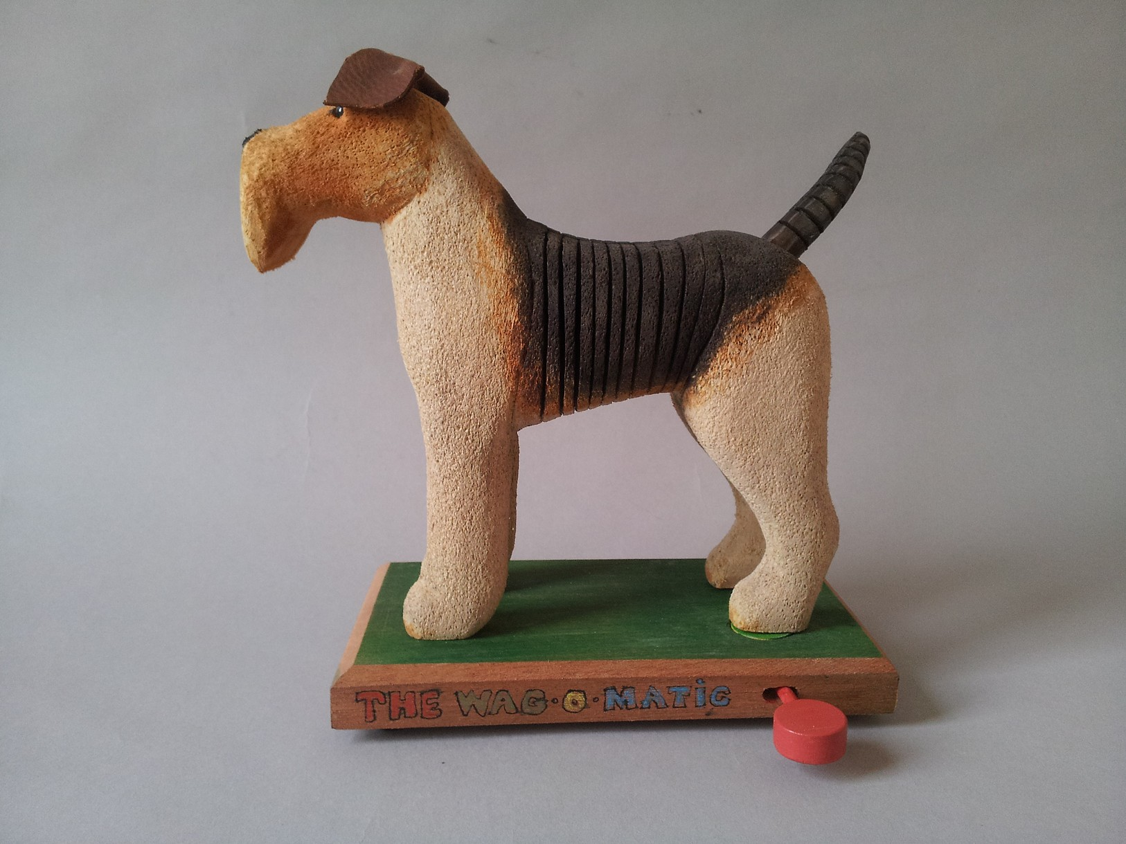Jeff Soan : Wooden Creatures - wire haired fox terrier